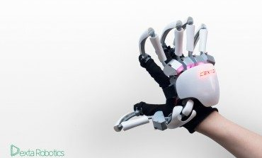 Mechanical Exoskeleton Glove For VR Use Being Developed by Dexta Robotics